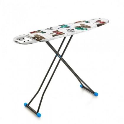 طاولة كوي حجم وسط مع مكان لوضع المكوى