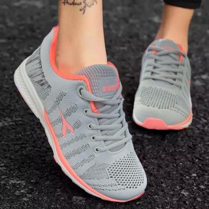 Diadora women shoe